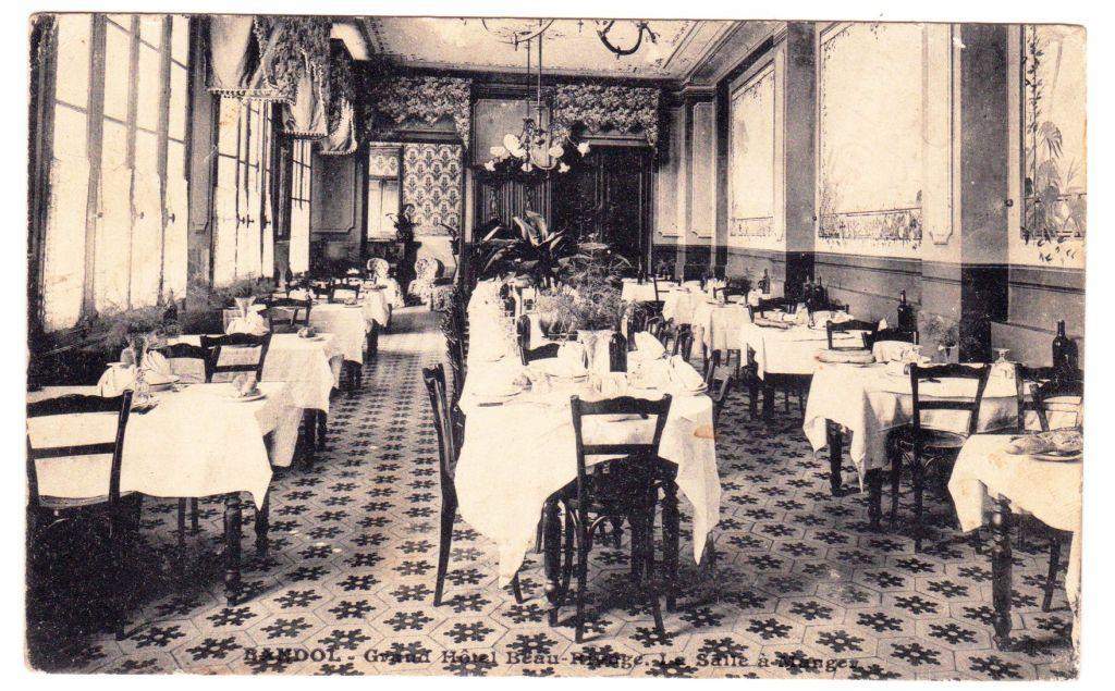 Salle à manger hôtel Beau-Rivage